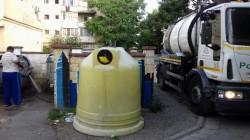 Polaris a demarat o acțiune de curățare și spălare a platformele gospodăreşti de gunoi