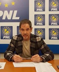 """Ovidiu Moșneag (PNL): """"PSD blochează angajările!"""""""