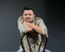 """Interviul lunii, Ionel Bulbuc, actor al Teatrului Clasic """"Ioan Slavici"""" din Arad, fondatorul Festivalului Şcolilor de Teatru din România"""
