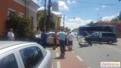 VIDEO/FOTO- Accident de circulație pe Șaguna ! Un BMW a fost distrus !