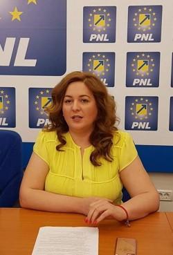"""Geanina Pistru (PNL): """"Așa cum am promis, arădenii au la dispoziție un mijloc de transport până la Pădurea Ceala!"""""""