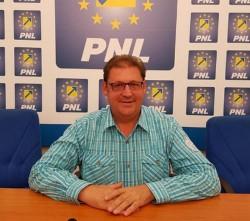 """Florin Farcașiu (PNL): """"Am promis! Am făcut! Continuăm dezvoltarea comunei Tîrnova!"""""""