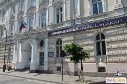 Au fost făcute publice rezultatele înscrierilor la Universitatea Aurel Vlaicu! Află unde şi când va avea loc etapa a 2-a de înscrieri