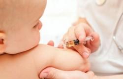 Guvernul PSD-ALDE, proiect de lege controversat. Amenzi ENORME pentru părinţii care refuză vaccinarea copiilor