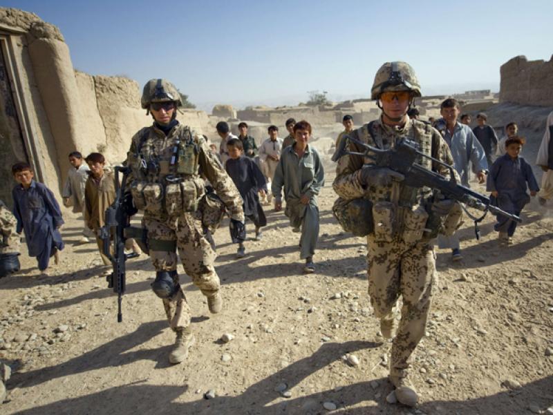 Militar român, rănit în Afganistan în urma unui atac al insurgenţilor