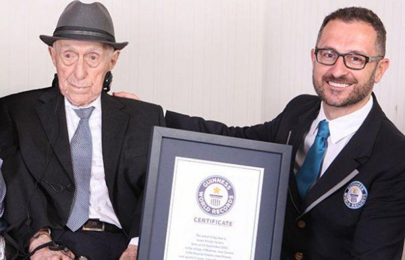 A murit cel mai bătrân bărbat din lume. Povestea vieţii bărbatului de 113 ani, bate orice film!