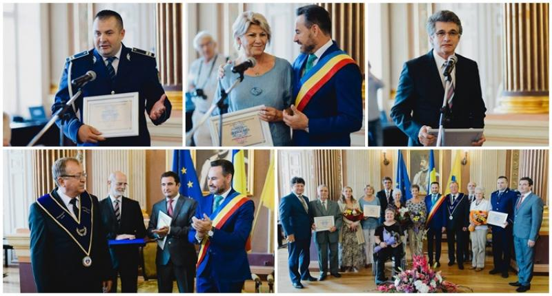 """Titluri şi distincţii oferite de """"Zilele Aradului"""" într-o şedinţă festivă a Consiliului Local Municipal"""