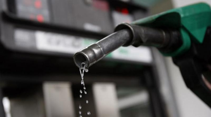 Este OFICIAL! Carburanţii se scumpesc cu 10% în urma creşterilor de accize