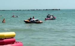 Un bărbat din Ineu a avut o moarte tragică, pe plaja din Costinești !