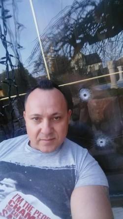 VIVI Fizidean, reținut pentru două acuzaţii grave, trafic de droguri și trafic de minore