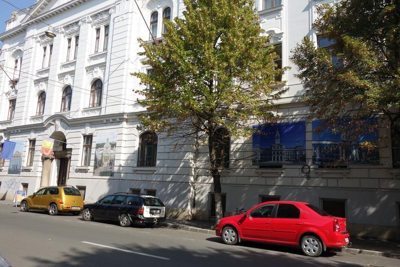 """Biblioteca Judeţeană achiziționează, sub formă de donație, """"carte școlară"""" pentru elevii din județ"""