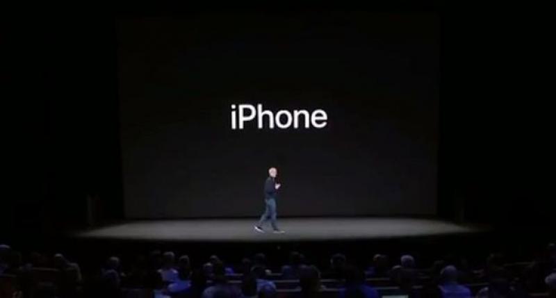 Apple a prezentat trei modele noi de iPhone. Vedeta este iPhone X