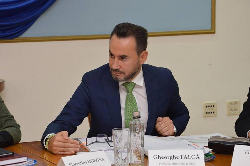 Primarul Aradului a făcut apel la cooperare în problema CET-ului