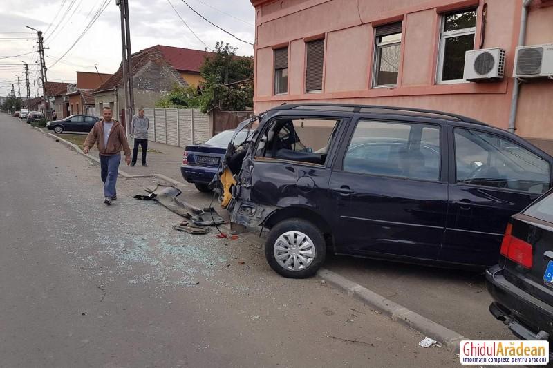 ACCIDENT de circulație pe Șezătorii ! VEZI mai multe imagini