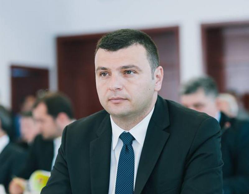 """Sergiu Bîlcea (PNL): Continuă programul """"100 de străzi pentru Arad"""""""