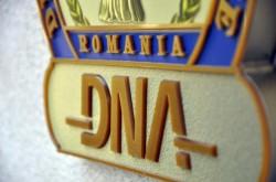 Conducerea CNAS, săltată de procurorii DNA în această dimineaţă! Zeci de milioane de lei, fraudaţi cu ajutorul directorului instituţiei!