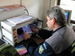 Cetăţean armean cu document fals, depistat la vama Nădlac