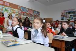 Ministerul Învăţământului, luat prin surprindere de începerea anului şcolar! Lipsa manualelor şi şantierele din şcoli impun demisia Ministrului Educaţiei