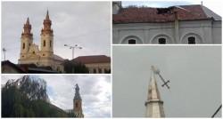 Bisericile din Arad distruse de furia naturii, Crucea de pe una din turlele Catedralei vechi luată de vijelie