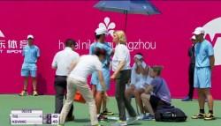 Tenismena Patricia Ţig s-a prăbuşit pe teren şi a fost nevoită să abandoneze turneul de la Guangzhou