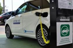 Autorităţile locale şi benzinăriile ar putea fi obligate să instaleze puncte de încărcare a autovehiculelor electrice