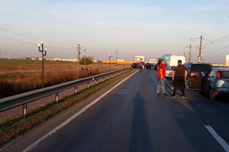 Carambol pe DN7 între Vladimirescu şi Arad