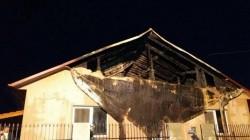 Mobilizare generală în Macea şi Sânmartin pentru a ajuta o familie rămasă fără locuinţă în urma unui incendiu