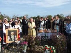 Pelerinaj la Bocsig, la mormântul Fecioarei Rafila Găluț. Ce spun credincioșii care au fost la mormântul ei
