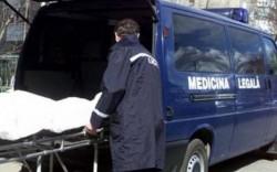 Cadavrul unui bărbat a fost găsit într-un apartament din zona Vlaicu