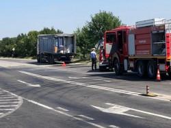 TIR încărcat cu 20 de tone de azotat de amoniu a luat foc în Timiş