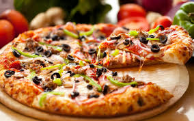 Castiga cu Pizza House!