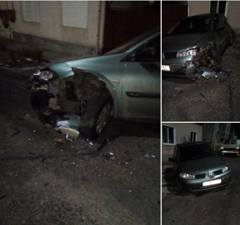 O arădeancă şi-a găsit maşina făcută praf în faţa casei