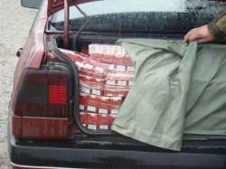 18.000 de țigarete, depistate de polițiști în trafic