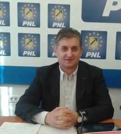 """Deputatul PNL, Eusebiu Pistru: """"Guvernul PSD alocă mai puțini bani pentru drumurile comunale și județene!"""""""