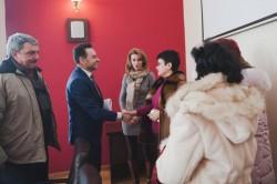 Dezbatere între cadrele didactice şi primarul Falcă după sedinţa CLM de joi