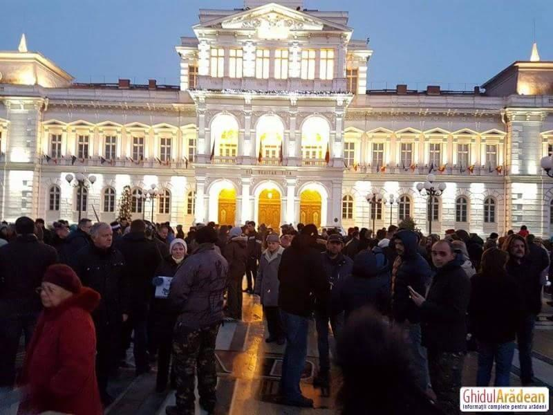 Arădenii ies la protest de la ora 19.00 !