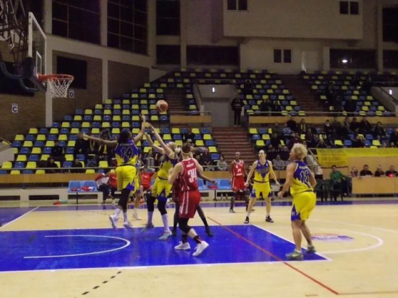 Fetele de la ICIM Arad încheie sezonul regulat cu o victorie: Univ Goldiş ICIM Arad – Sirius Tg. Mureş 90-69