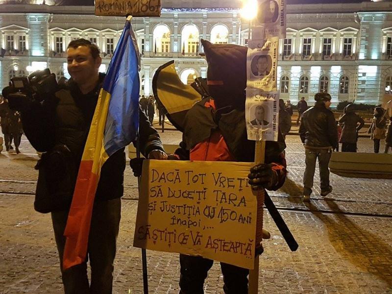 A şasea zi de proteste la Arad a scos pe străzi aproximativ 3000 de arădeni în ciuda abrogării ordonanţei 13