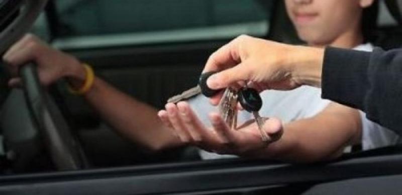 A încredințat mașina unui minor