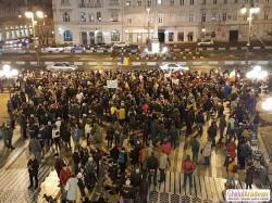 Protestele continuă la Arad şi luni, a şaptea zi de protest consecutiv