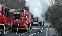 (VIDEO) Duminică dimineața un autocar a luat foc în timp ce transporta pasageri !