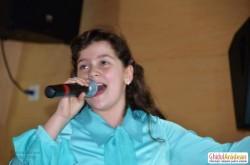 Anastasia Maria Solomie a primit Trofeul Artist 100 % la Festivalul Național de la Braşov