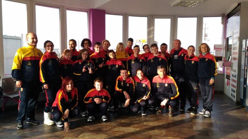 Delegația Special Olympics România s-a reunit la Arad de unde s-a îmbarcat pentru Austria