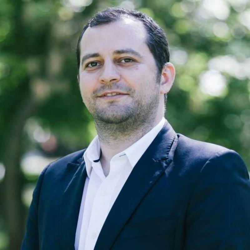 """Răzvan Cadar (consilier județean PNL): """"PSD a votat împotriva arădenilor, s-a opus unui RMN la Spitalul Județean!"""""""