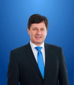"""Iustin Cionca, preşedintele Consiliului Judeţean Arad: """"Deşi banii sunt puţini, s-au dat echitabil şi nici o localitate nu a rămas fără finanţare"""""""