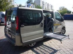 Transport gratuit pentru persoanele cu handicap în scaun rulant și a însoțitorilor acestora