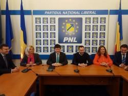 Falcă intră oficial în cursa pentru un nou mandat la şefia PNL Arad. Ce surprize pot apărea?