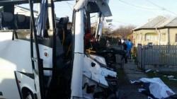 Tragedie pe  DN1 ! Două persoane au murit şi alte opt accidentate (VIDEO)