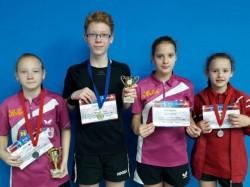 Medalii arădene la Bistriţa şi Oradea la tenis de masă