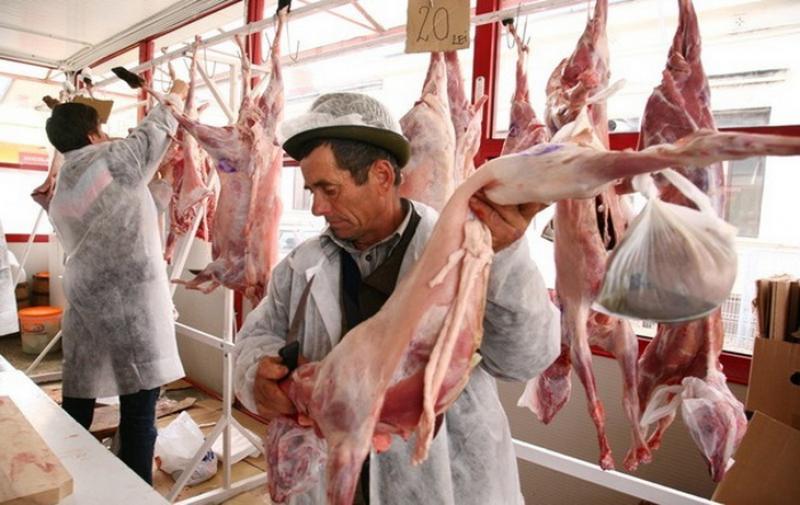 Direcţia Sanitară Veterinară şi Siguranţă a Alimentelor Arad (DSVSA) cu ochii pe comercianţii de produse specifice Sărbătorilor Pascale